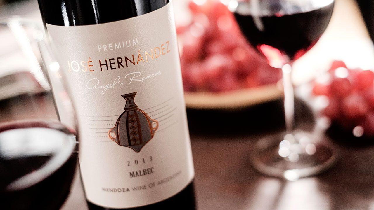 J H Toso Angels Reserve Malbec 2015 Malbec Favorite Wine Wine Bottle