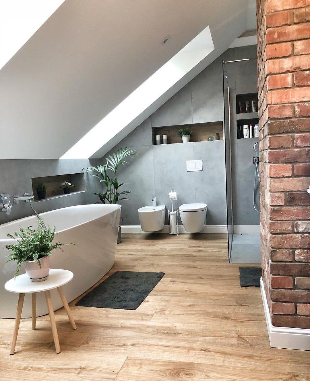 Pin Von Home Design Auf Bad Wohnung Badezimmer Badezimmer Dachschrage Badezimmer Dachgeschoss