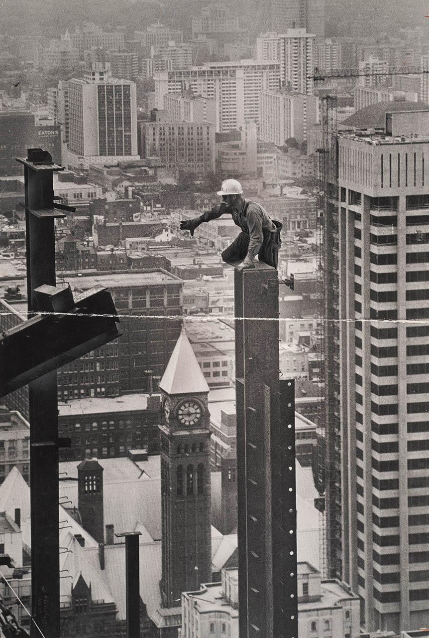 Pin by Lynn Sheehan on Hang On! Toronto skyline, Photo