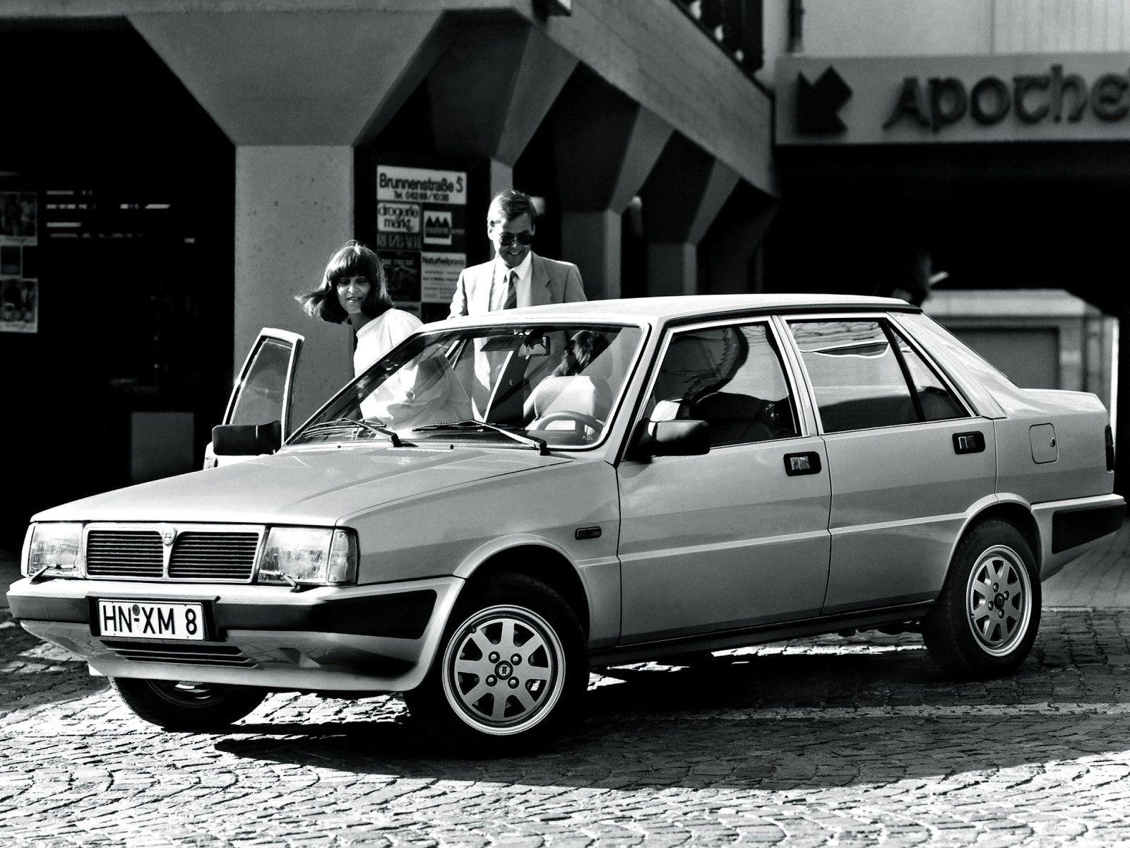 Lancia prisma 16 ie pesquisa google lancia pinterest vanachro Images