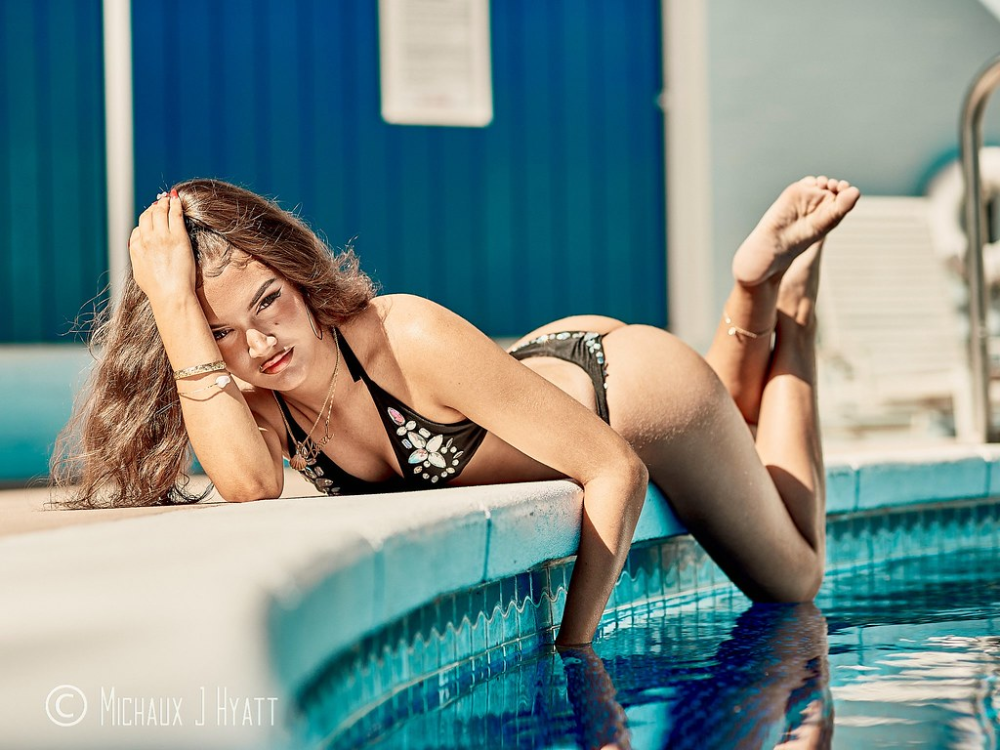 The Worlds newest photos of abs and models - Flickr Hive Mind