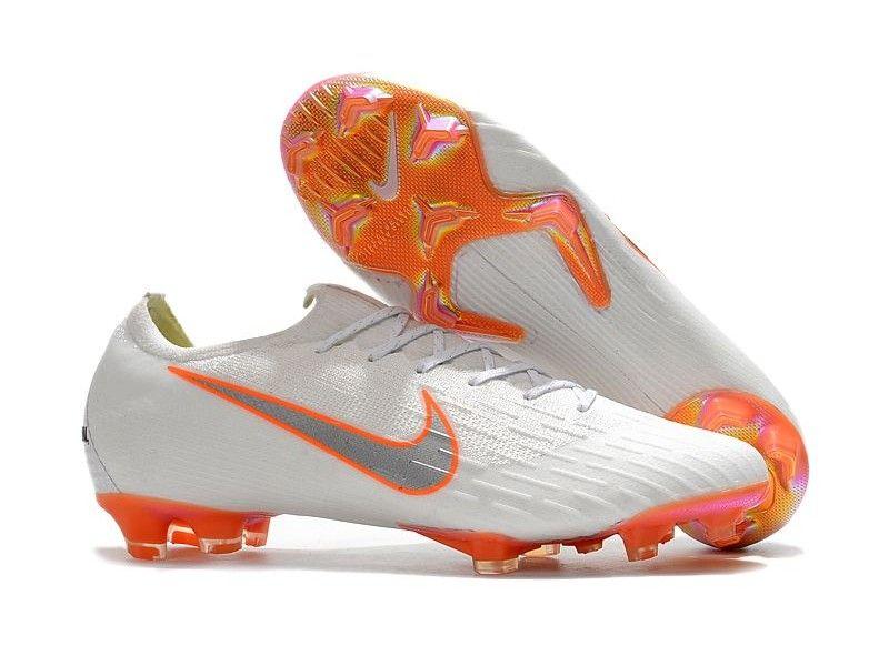 Pin de Evis Contreras en Nike Tacos | Zapatos de fútbol nike