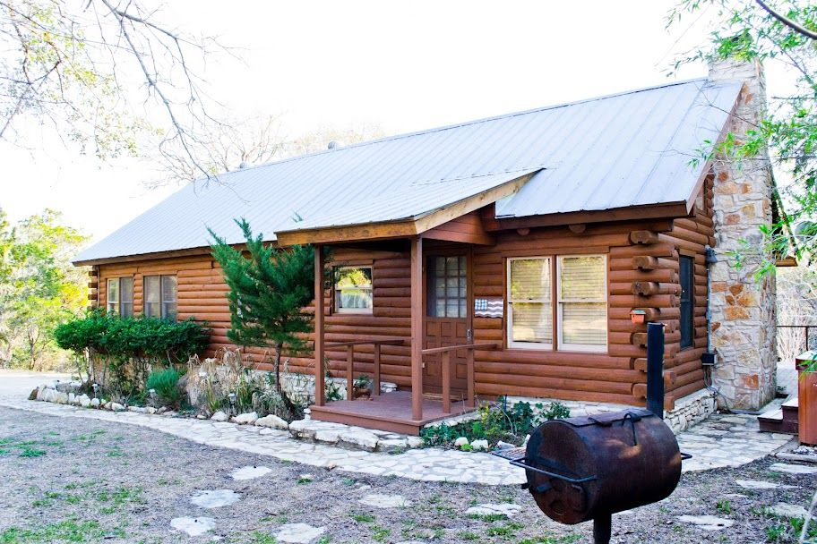 Cabins at Smith Creek Wimberley Texas, Log Cabins