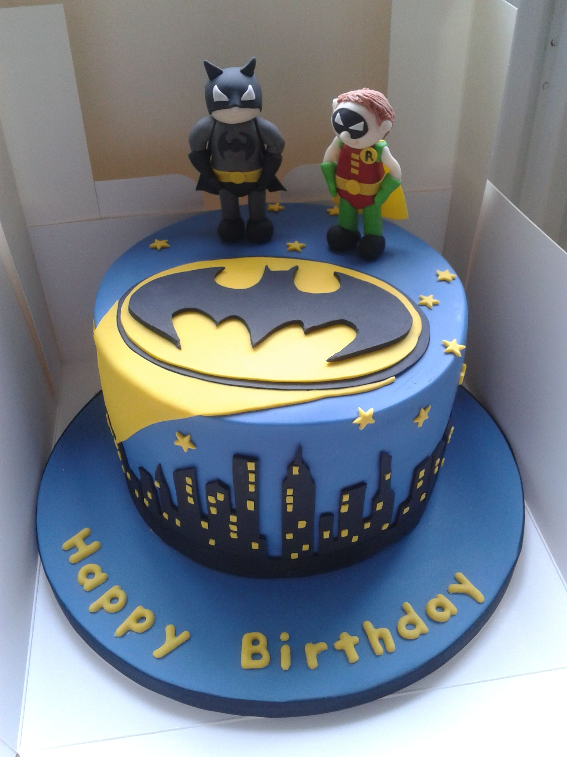 We\'ve seen loads of great \'Batman\' cakes this year! Why not make ...