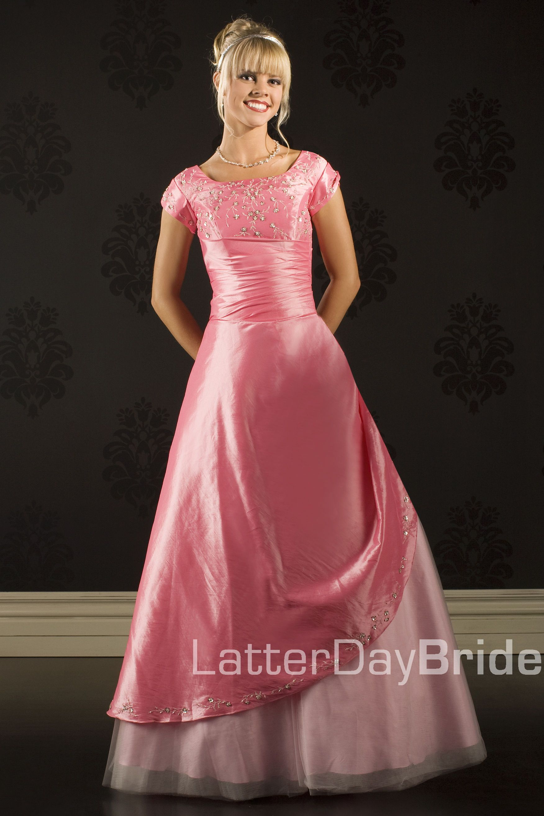 Pin de Heather Tapp en Dresses | Pinterest | Vestidos de noche ...