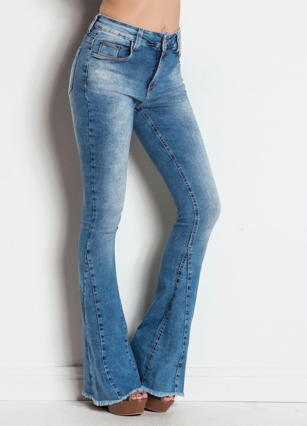 Calça Jeans Sawary Flare Azul com Barra Desfiada  2b683f2095d