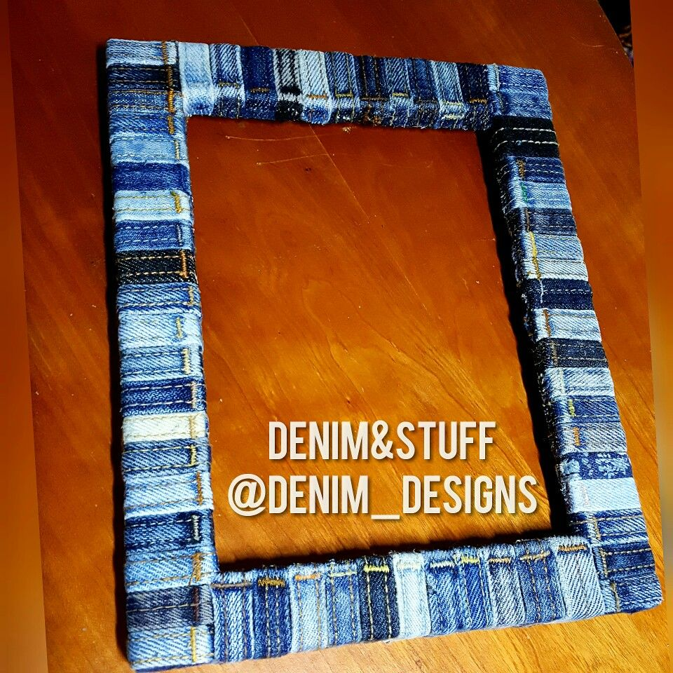 Make An Old Picture Frame New Again By Covering It With Belt Loops From Recycled Jeans An Easy P Recycle Old Clothes Picture Frame Crafts Leather Belt Crafts