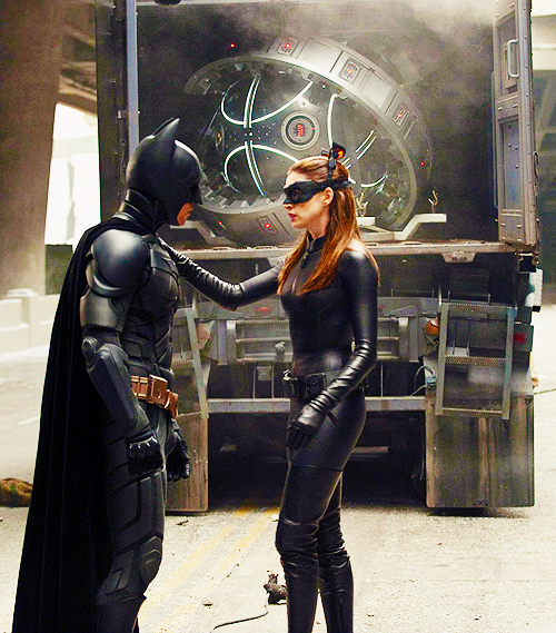 BTS Of TDKR: Christian Bale As Batman And Anne Hathaway As