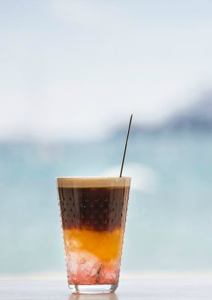 Our favorite sound of summer is the clinking of ice in a glass. Iced coffee helps you to create that refreshing Nespresso Moment.