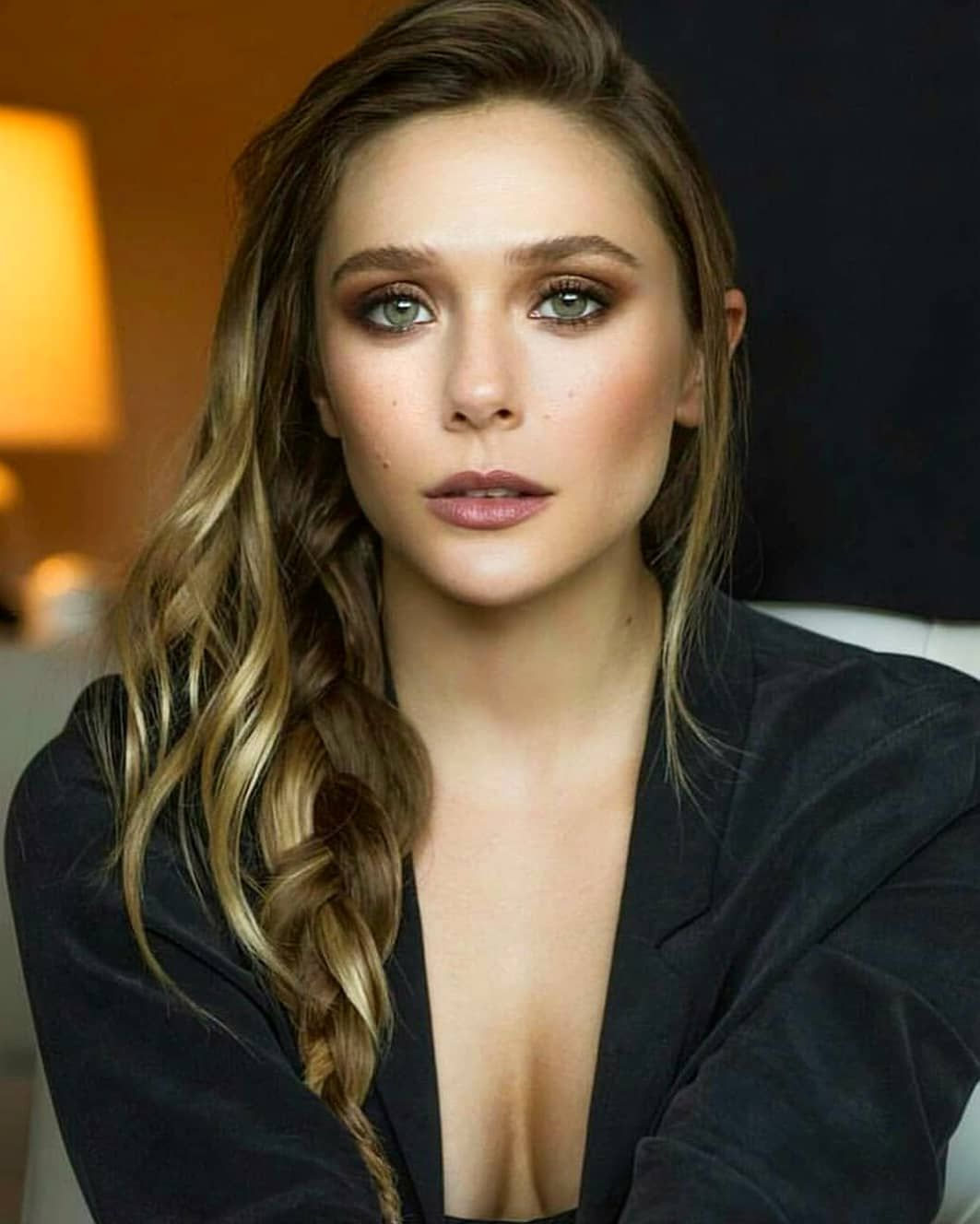 Elizabeth Olsen On Instagram Follow Elizabetholsen S Elizabetholsen Elizabeth Olsen Celebrities Beauty