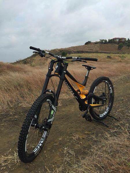 S works Demo 8 | DH bikes | Mt bike, Bike trails, Cycling bikes