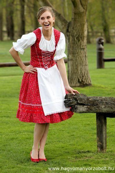 da846e4799 Menyecske ruha - Böbe Hagyományőrző Boltja - webáruház, webshop ...