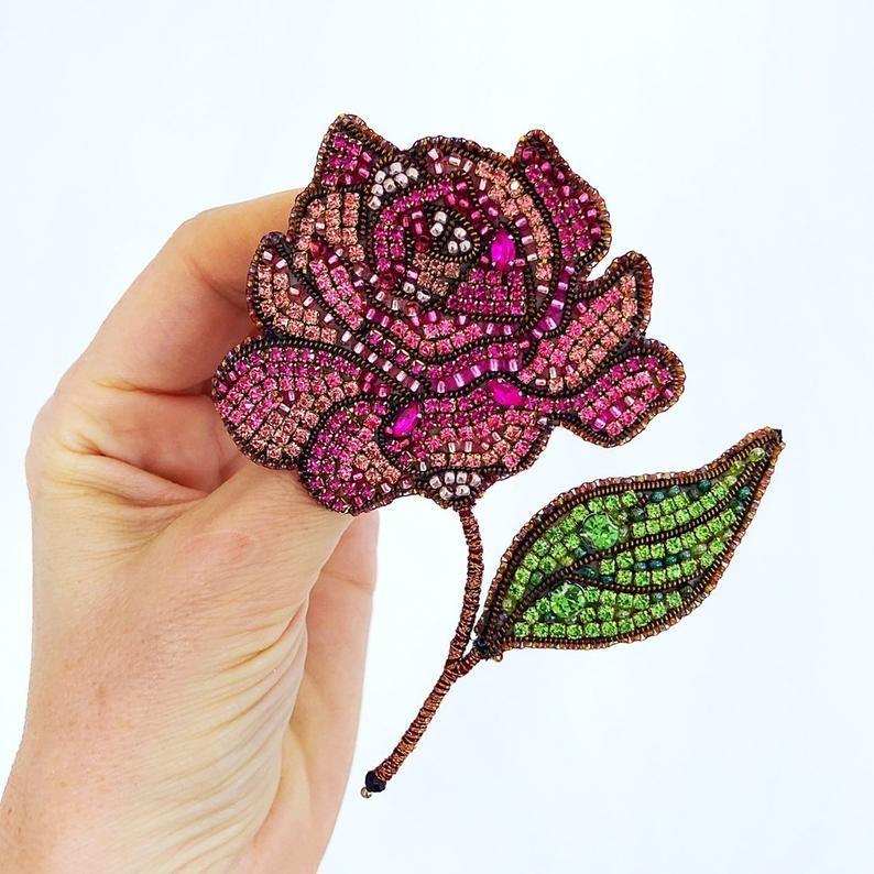 Handgemachte Brosche Handmade Jewellery Gift For Woman Pink Brooch Women/'s Accessories Beaded Brooch Geschenk Perlen Brosche