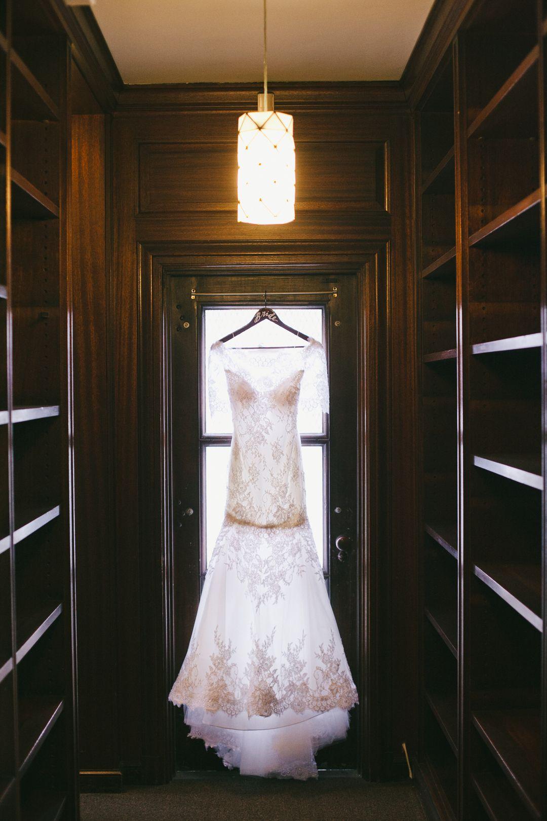 Wedding dress rental los angeles  Wedding Photos  Classic u Elegant Wedding at Vibiana  Los Angeles