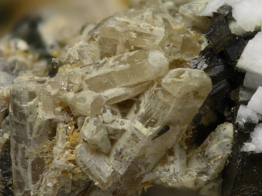 Petersenite-(Ce), Na4(Ce,La,Nd)2(CO3)5, Poudrette quarry ...
