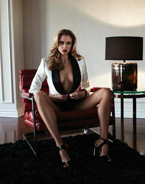 models magazine Leg show