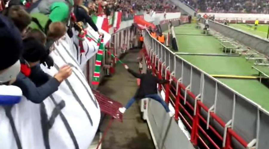 Why Every Football Hooligan Needs A Fan Scarf Http Ewsonline