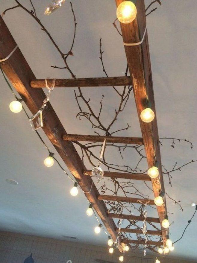 Rustikale Deko Leiter Mit Leuchterkette Gardenhomedecorideas Gardenhomedecordesign Decordesign Decorideas Ladder Decor Creative Home Decor Rustic Decor