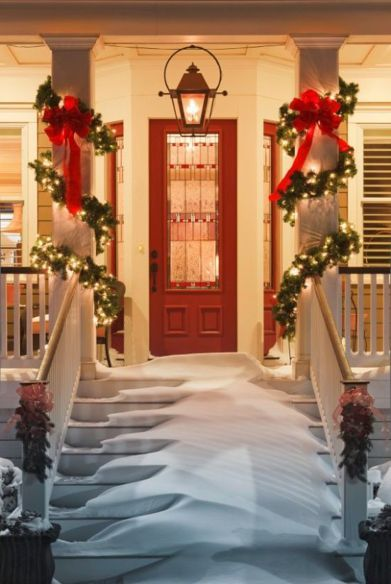 A Whole Bunch Of Christmas Porch Decorating Ideas...