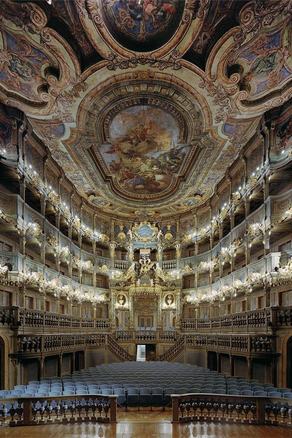 10 Stunning Opera Houses Around the World   Opera house