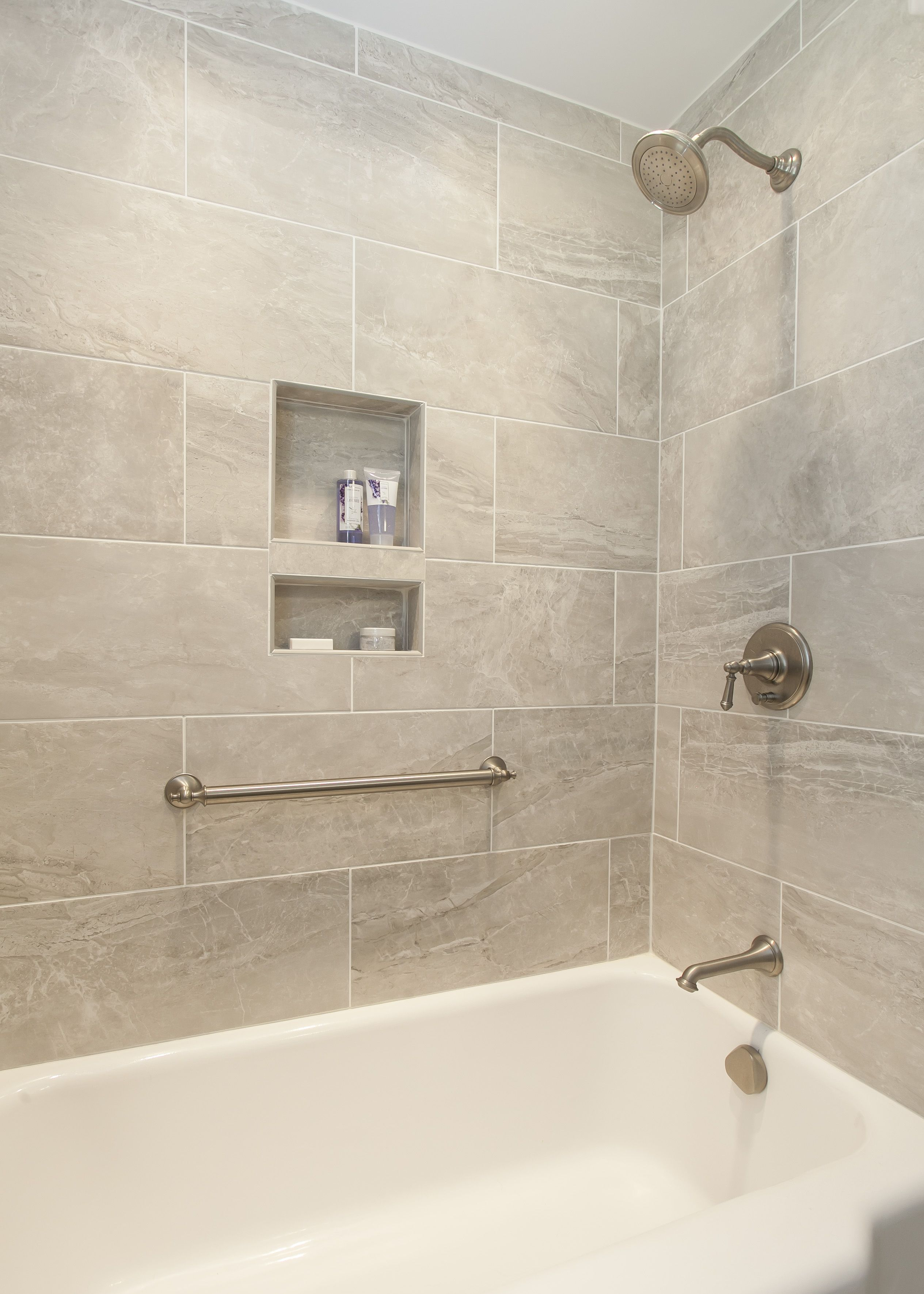 Stunning Bath Tub Tile Surround With Built In Niches