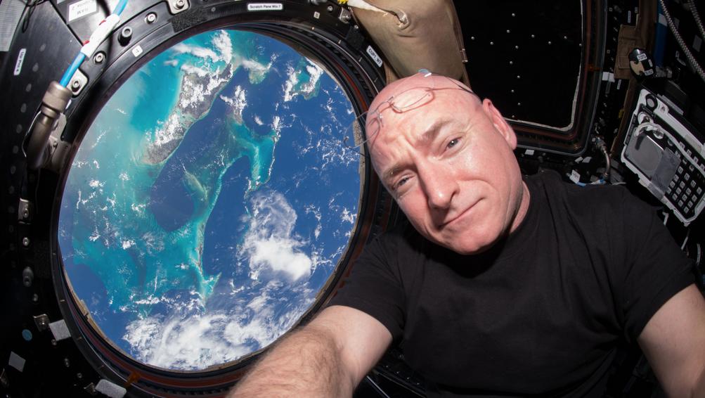 Scott Kelly returns from his year in space today: https://t.co/EKshwVdNLv https://t.co/cvKwPXxHUD   Esquire Maga https://t.co/vxxz2RLyRK