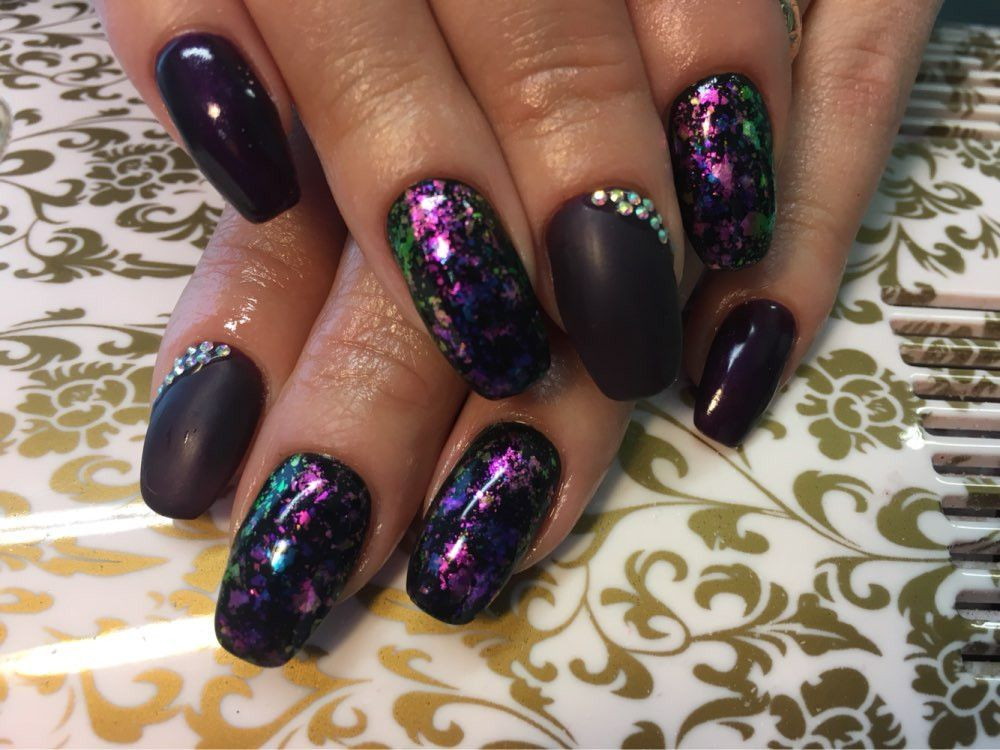 Chameleon Nail Sequins Acrylic Nail Design For New Years For ...