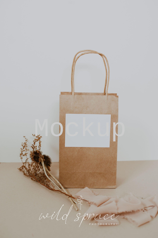 Download Calluna Bag Label Mockup Label Mockup Sticker Mockup Bag Etsy In 2020 Bag Mockup Branding Shop Stationery Mockup