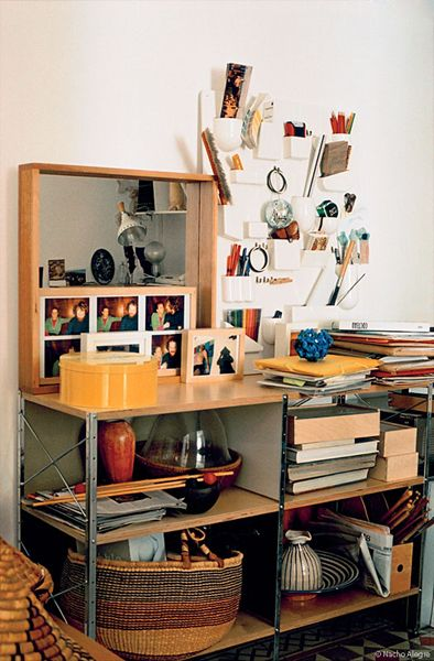 more at http://thebazaarlista.blogspot.fr/2012/04/eames-storage-unit-i-esu-shelf-i.html
