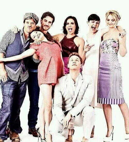 Once Upon A Time cast: Michael Raymond-James, Colin O'Donoghue, Emilie de Ravin, Lana Parrilla, Josh Dallas, Ginnifer Goodwin & Jennifer Morrison