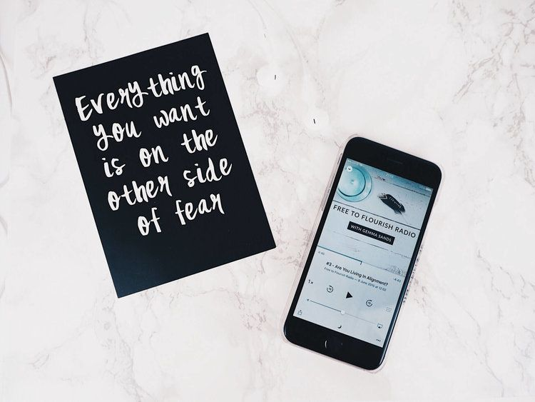 Check out what podcast I am loving at the moment, over on my blog. Spoiler: it's a inspirational one 💭  rose-tinted.com