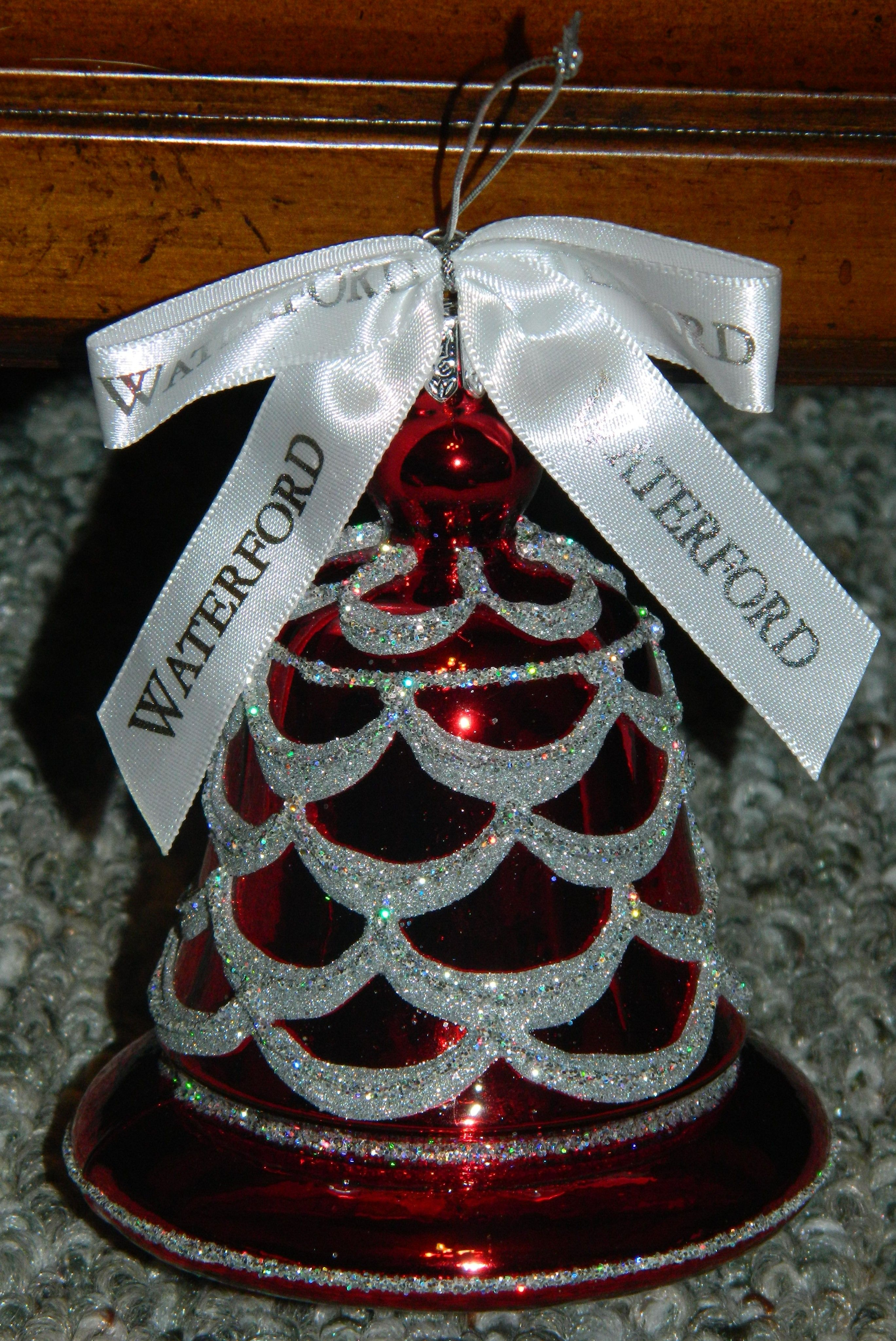 Holiday Heirlooms  Shimmering Garland Bell Ornament (2006) - Waterford