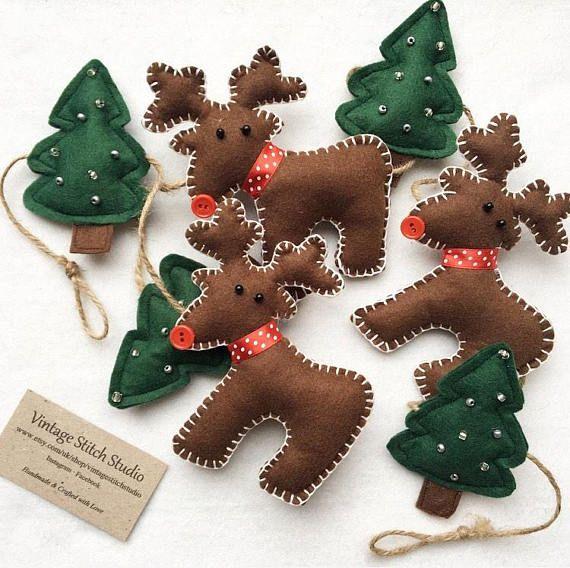 a stunning handmade reindeer christmas garland this gorgeous garland features 4 green felt christmas trees - Felt Christmas Garland