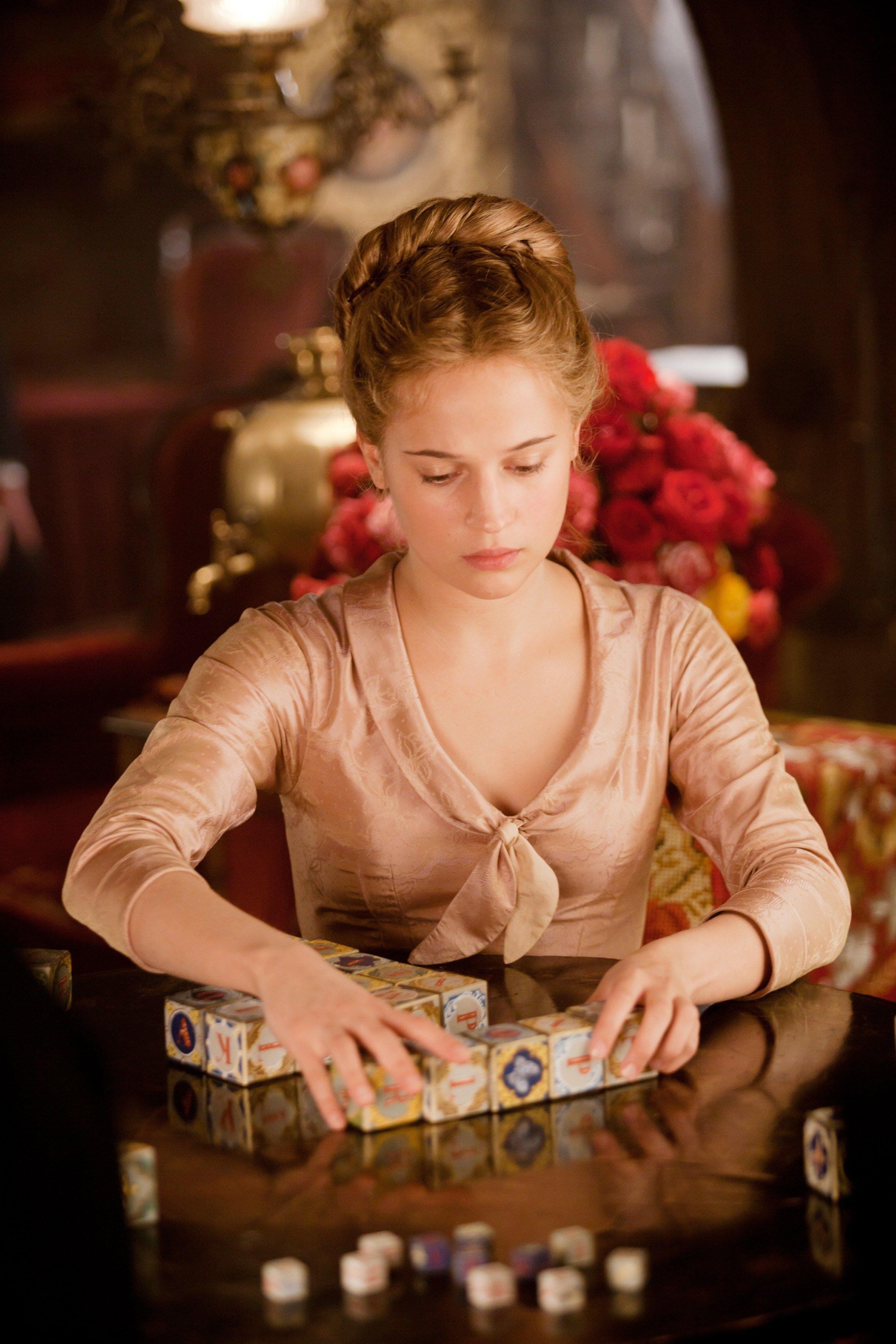 Alicia Vikander as sweet Princess Kitty in 'Anna Karenina ...