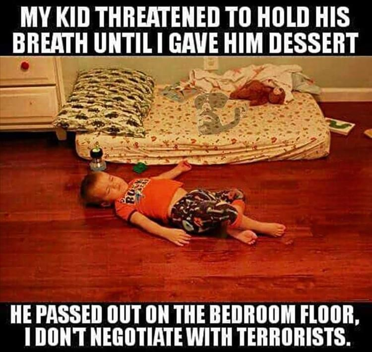 Funny Pictures Of The Day 34 Pics Smart Once You Do You Ll Be A Hostage To Your Kids Till You Die Parentingdoneright Funny Kids Funny Funny Pictures