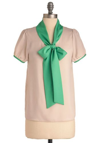 Singing Lessons Top in Tan and Green. I love the color blocking on this. Not your usual color block :)