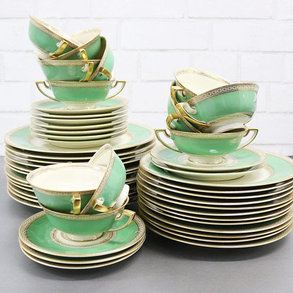 The Perfect Wedding China Set A Truly Luxurious And Heirloom Worthy Vintage Gold Rimmed Dinnerware By Royal Bay China Sets Wedding China Fine China Dinnerware