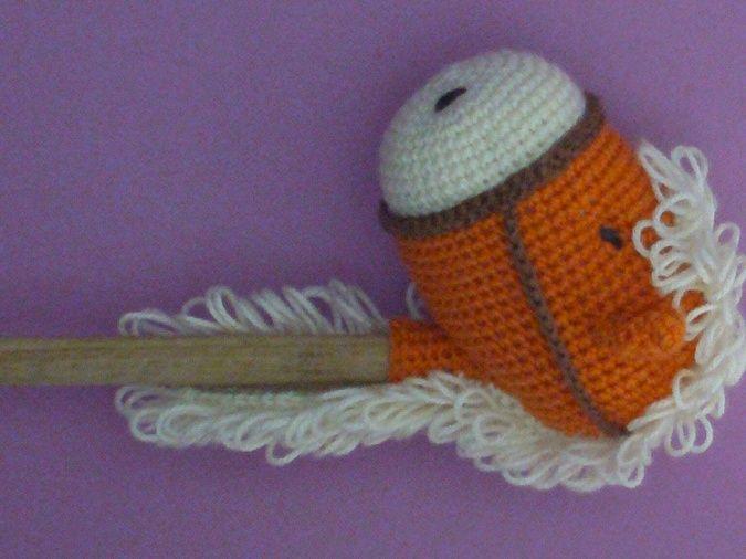 Caballo tejido al crochet con palo de madera | jugando | Pinterest ...