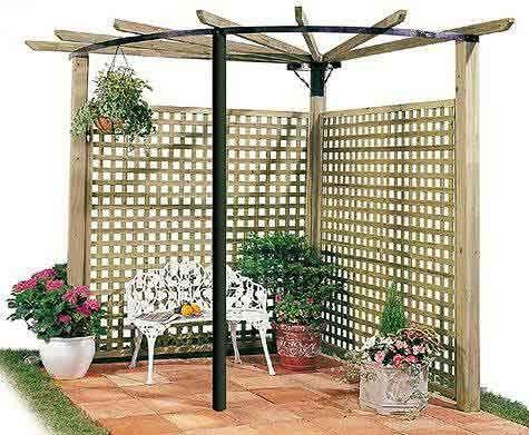 trellis fence and shade could grow a grape vine up this