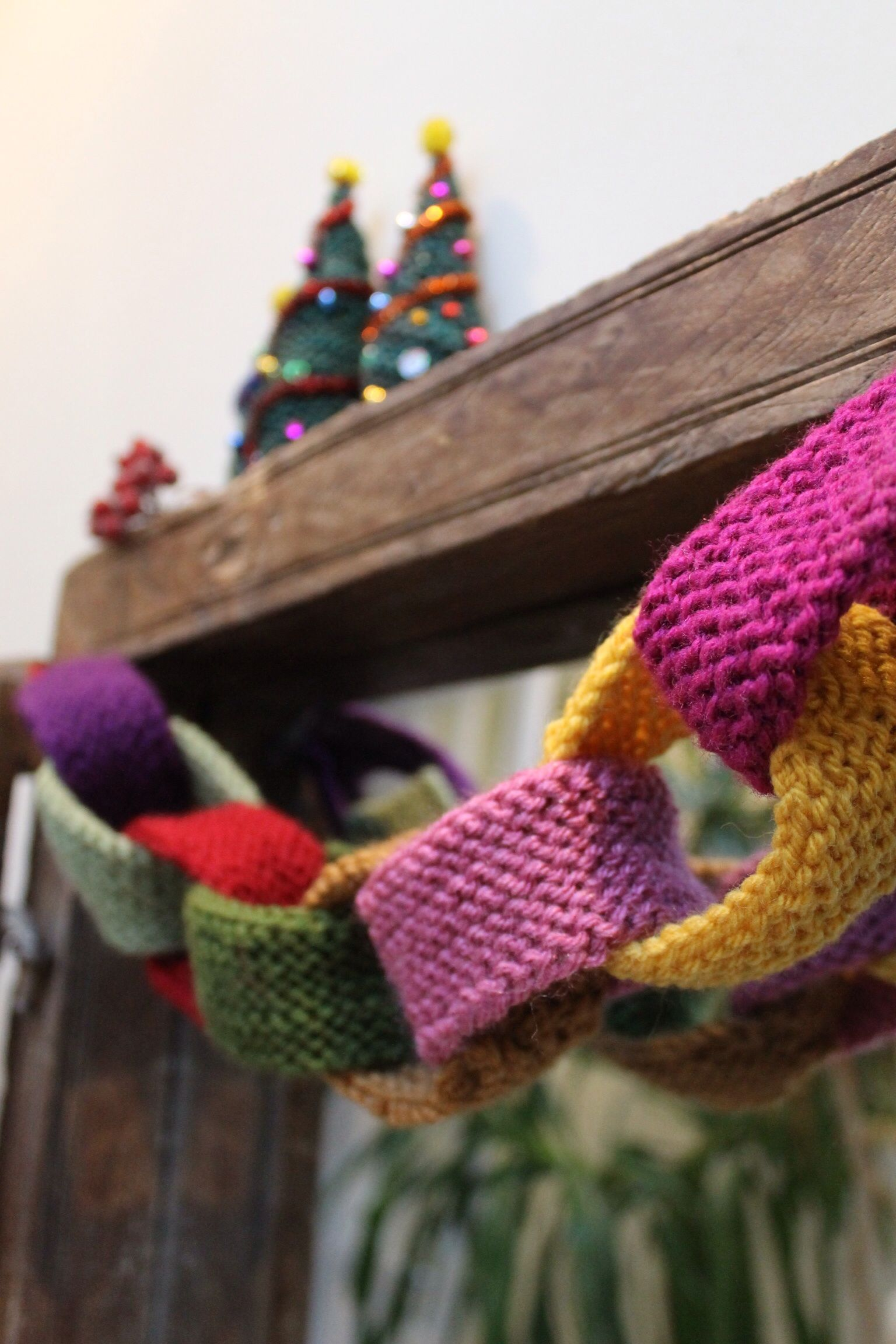 knitted paper chain Crafts Pinterest