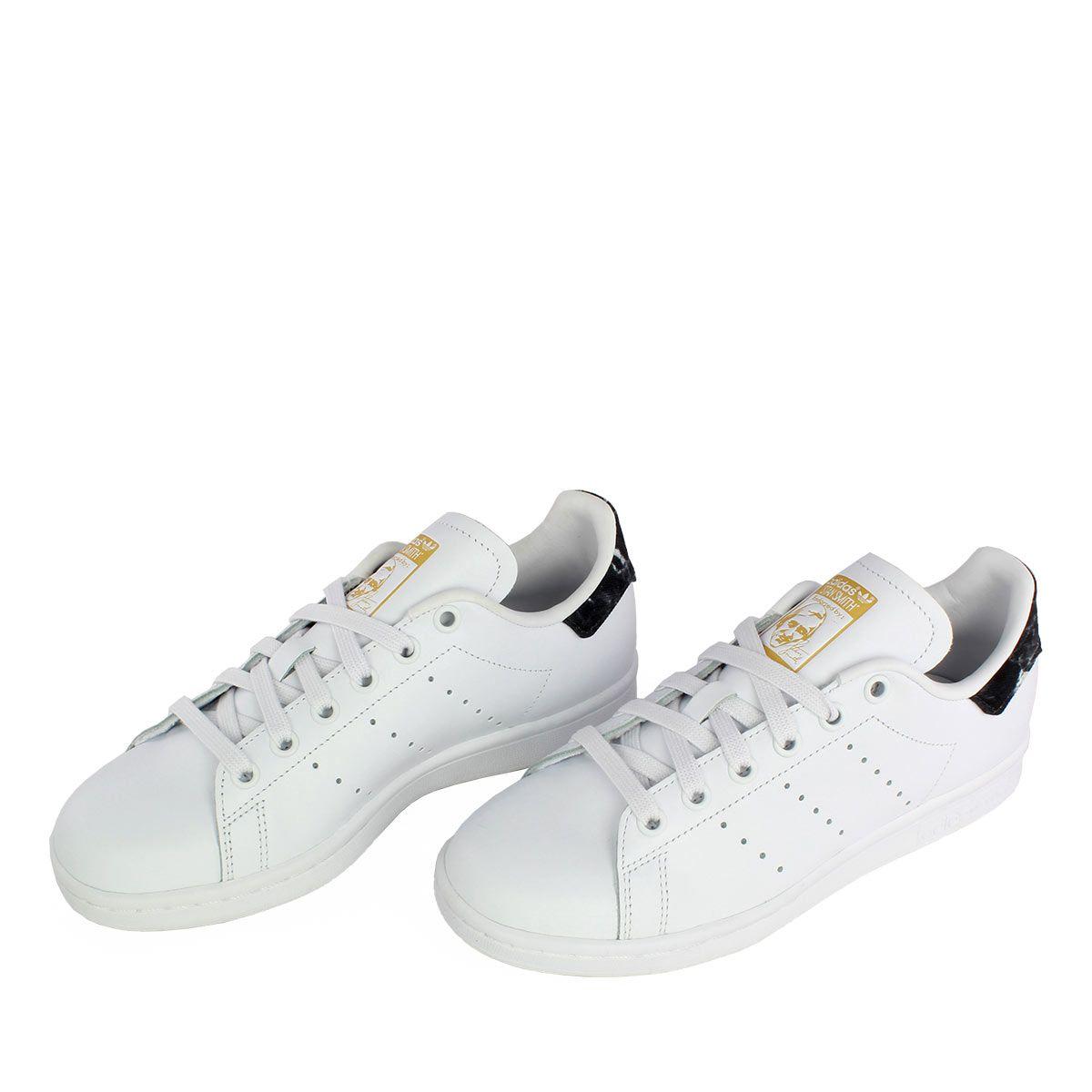 new arrival 6fc6a 76dc7 Adidas Stan Smith λευκό με μαύρες marble λεπτομέρειες, αποτελεί αναπόσπαστο  κομμάτι της μόδας.