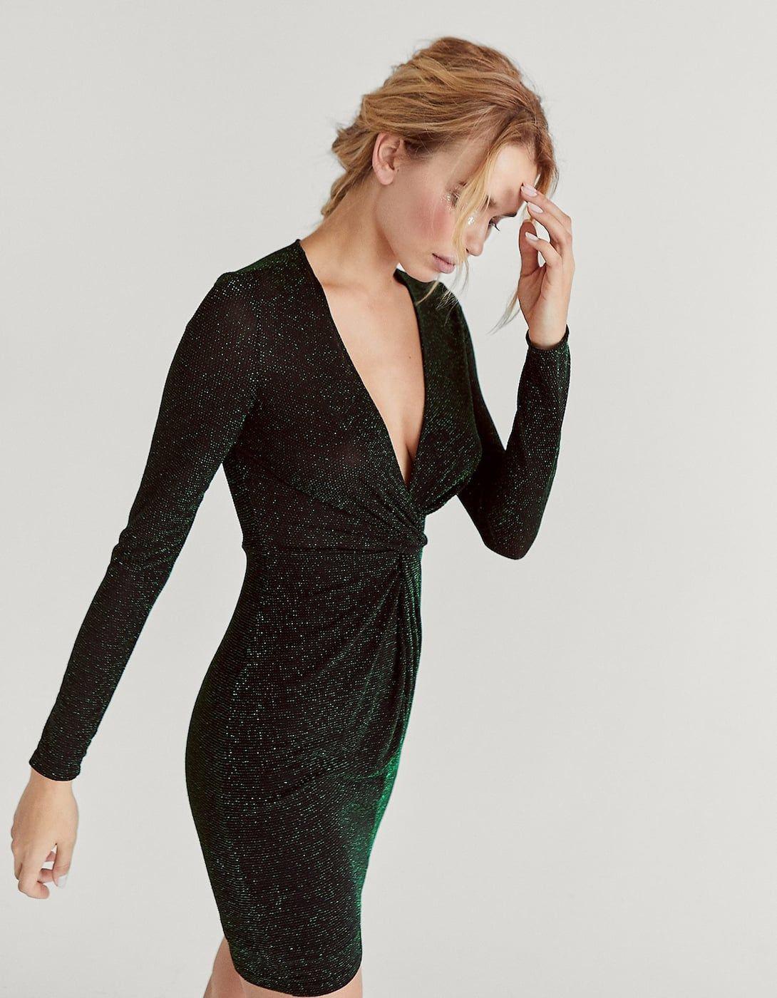 530d6b3f77 Błyszcząca sukienka z długim rękawem i głębokim dekoltem - Wieczorowe