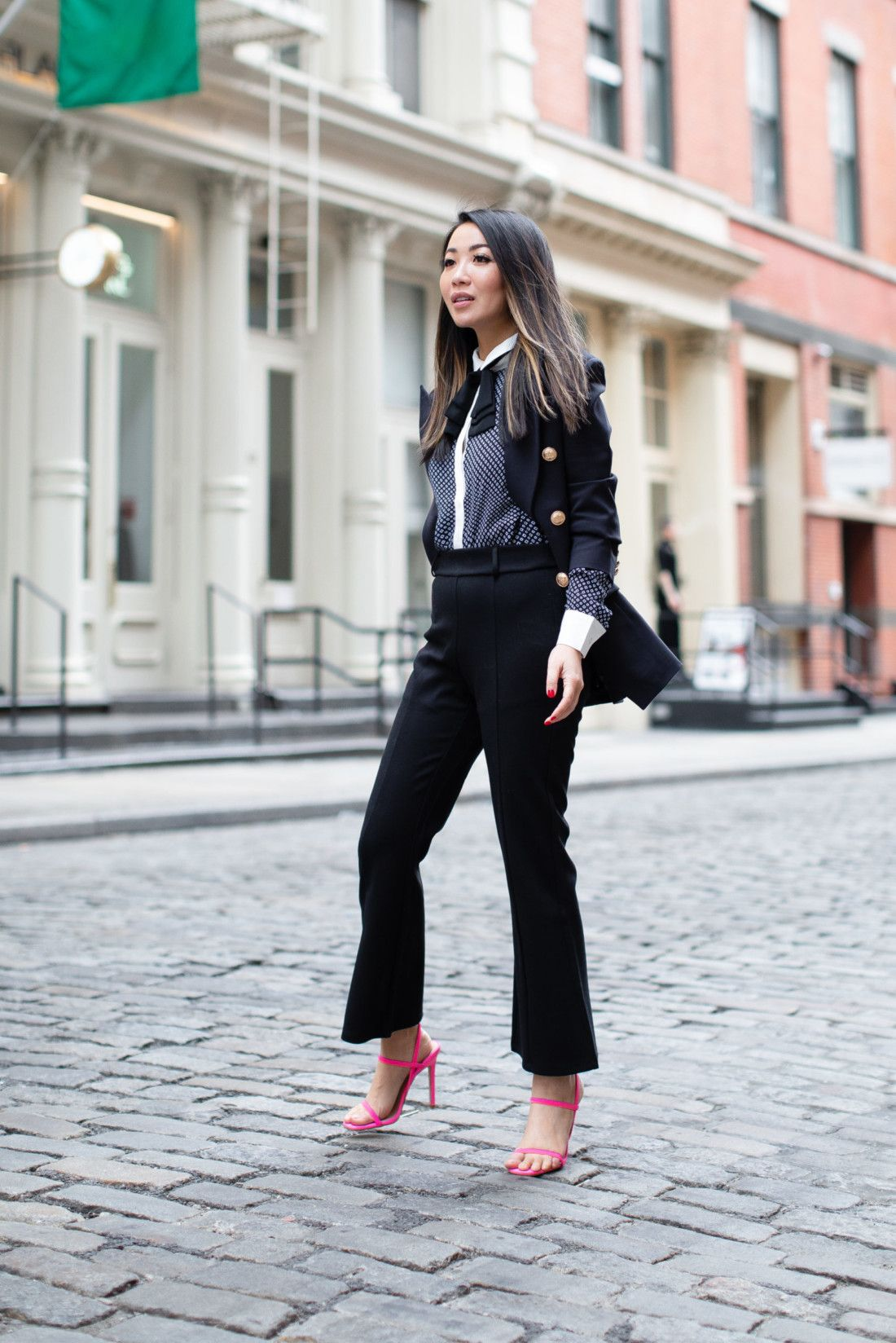 Dressing Up Looks with Spring Trend - Strappy Sandals  Elegantes