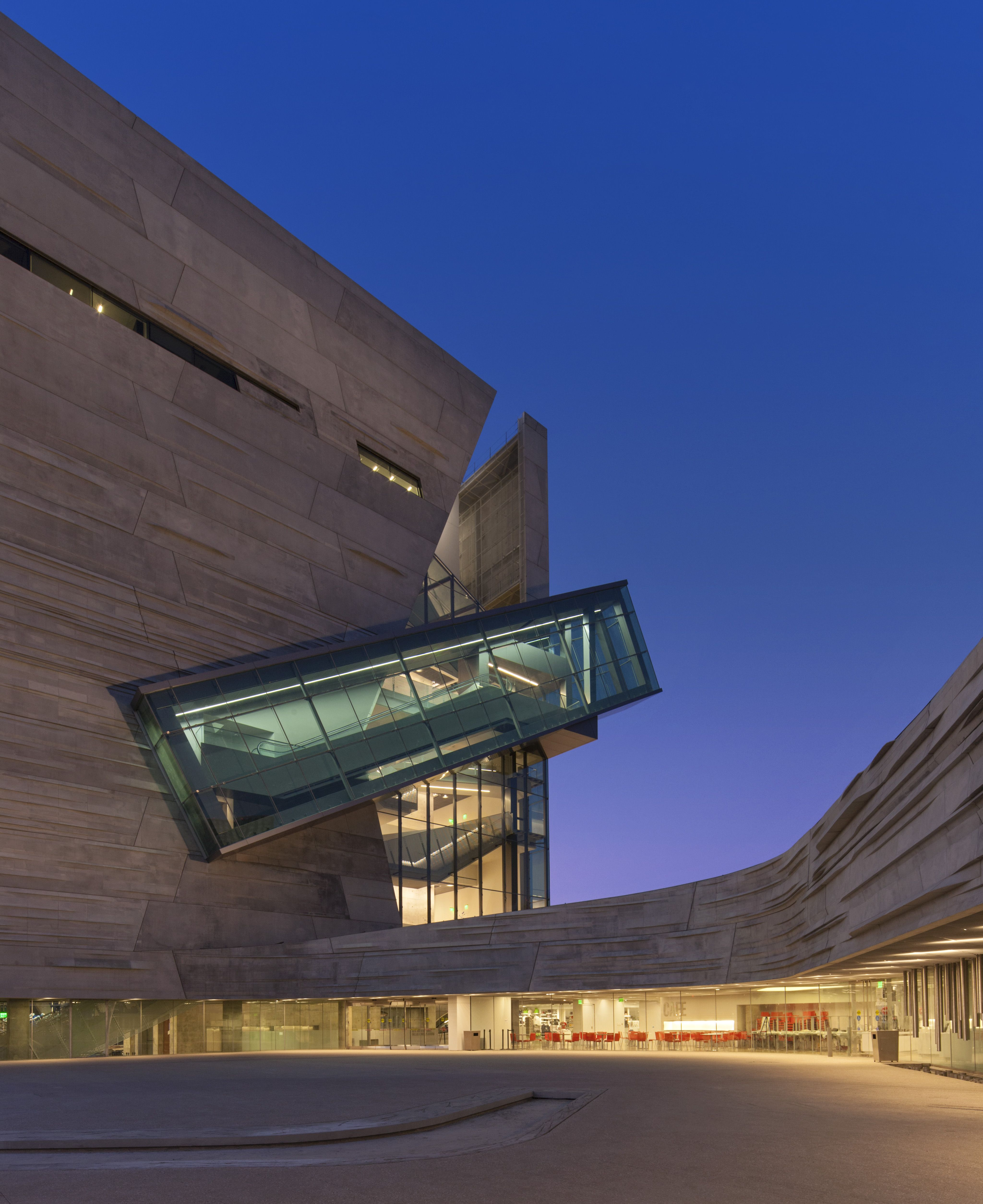 The Dallas Perot Museum of Science and Nature | Architektur, Parasit ...