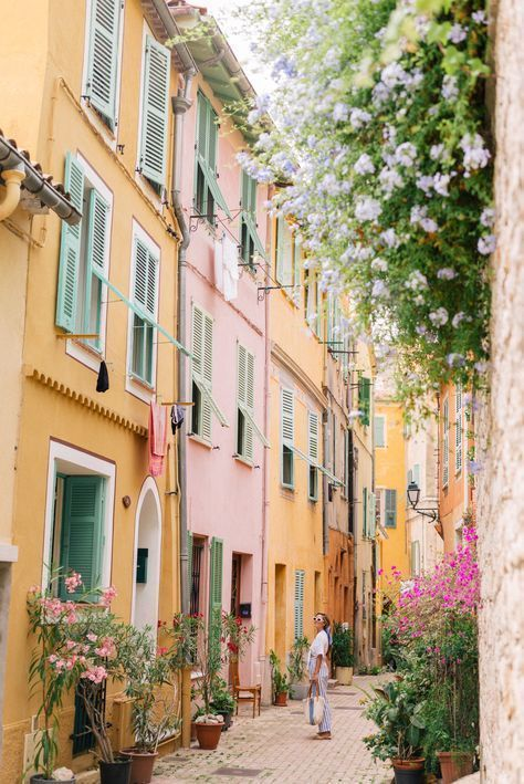 Discover the brightly colored seaside town of Villefranche-Sur-Mer through the lens of Julia Engel of Gal Meets Glam on her trip to the French Riviera.