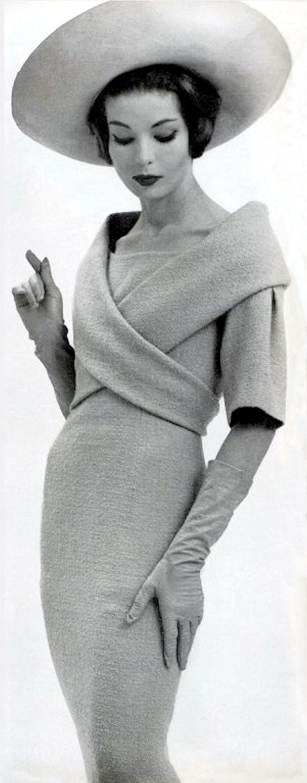 Pierre Cardin - 1959 - Shelt dress - L'Officiel