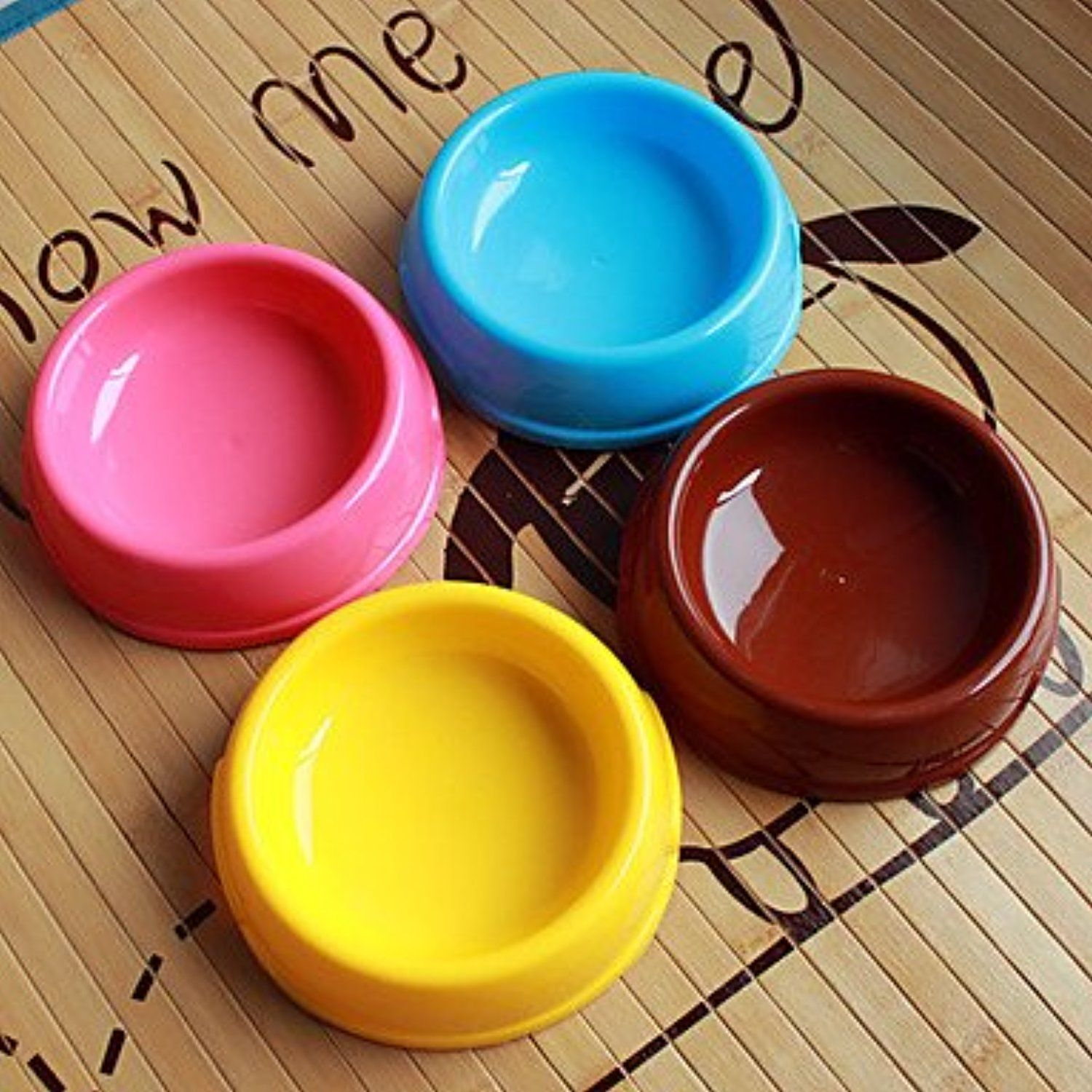 QINF Circle Shape Plastic Food Bowl for Dogs Cats