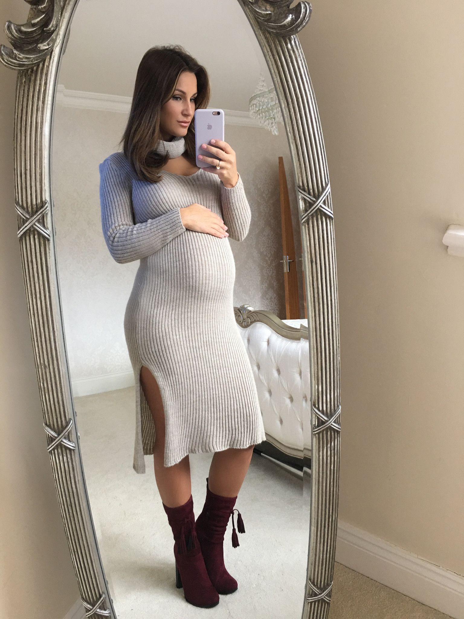 392d72aebbd1c Pregnant Sam Faiers shows off her neat baby bump as she coordinates with  sister Billie in chic jumper dress and suede boots | Daily Mail Online