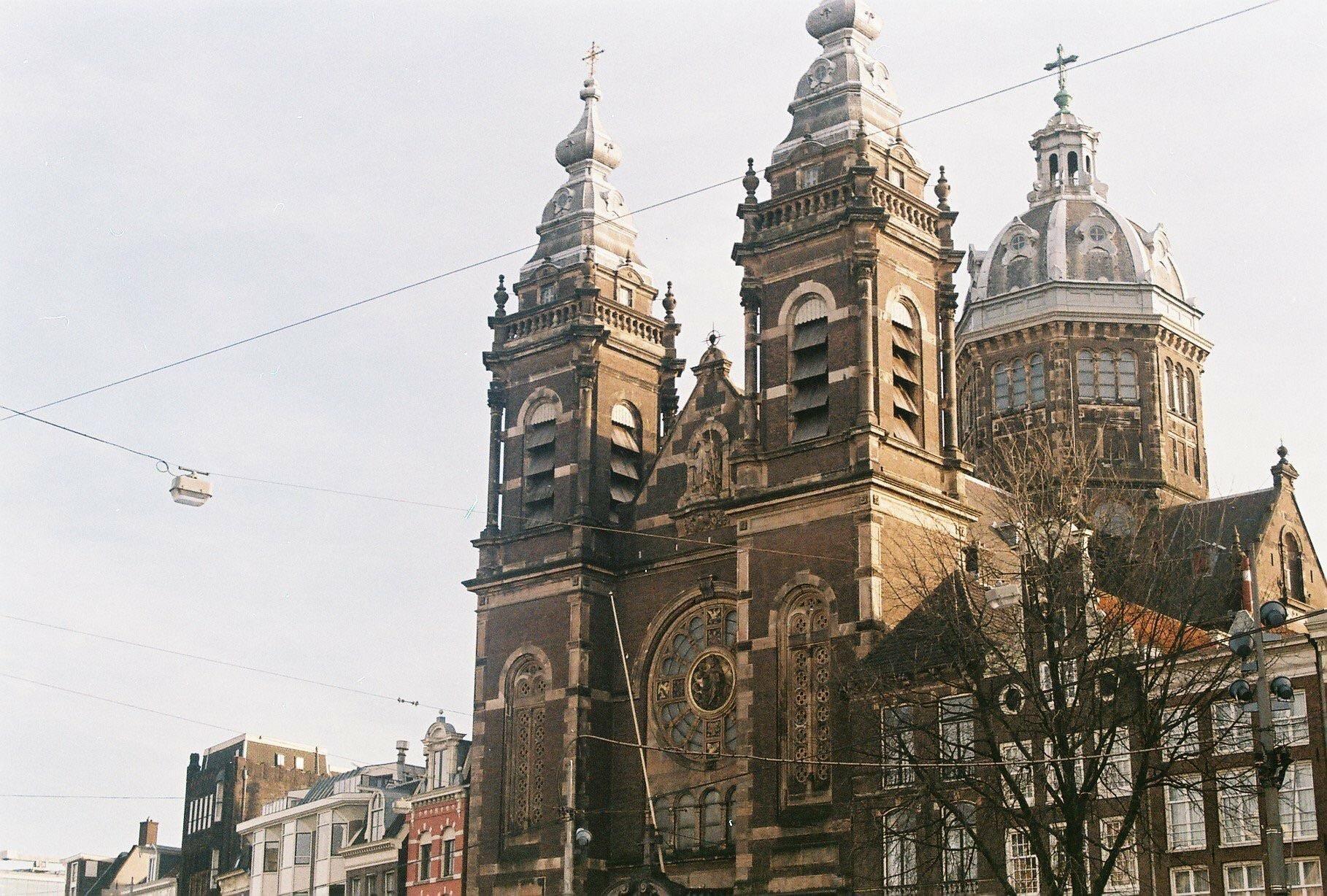 The Basilica of Saint Nicholas Amsterdam - Nikon F-301(35mm)