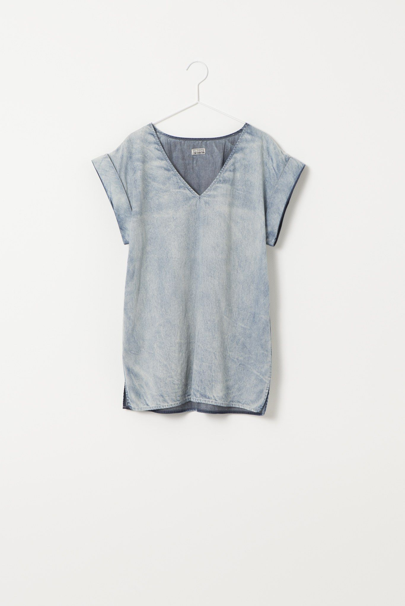 tomboy style. laid back top for the unfussiest of chicks. #tomboy #clothes #style